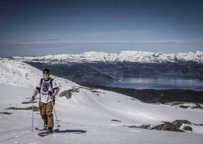 Caminando Sobre la Nieve Nórdica
